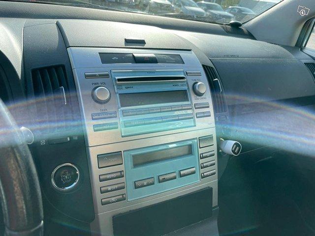Toyota Corolla Verso 4