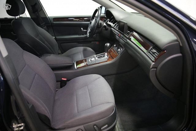 AUDI A8-4X4 14