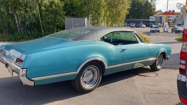 Oldsmobile Coupe