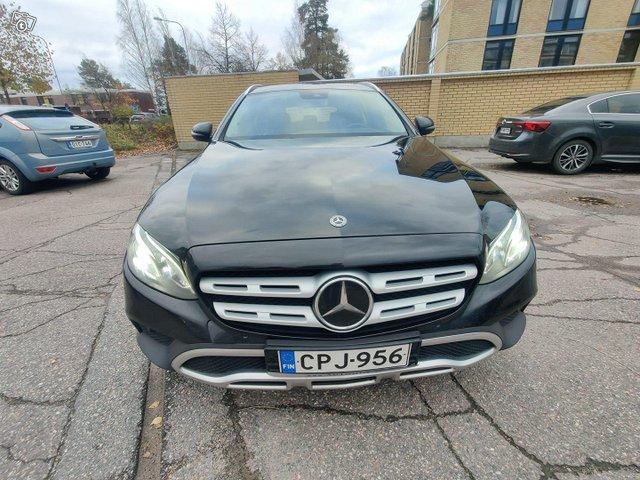 Mercedes-Benz E 220, kuva 1