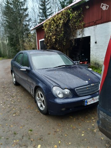 Mercedes-Benz 180, kuva 1
