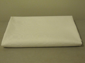 Hyvänlaatuinen valkoinen pöytäliina 116cm x 108cm, Matot ja tekstiilit, Sisustus ja huonekalut, Hollola, Tori.fi