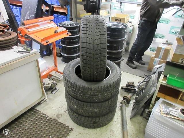 Kitkarenkaat 225 60 16 Michelin