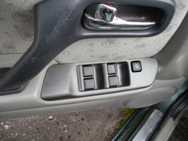 Nissan Primera 2.0 sedan Elegance-2000 5
