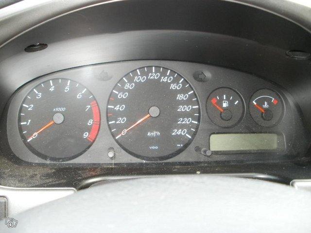 Nissan Primera 2.0 sedan Elegance-2000 4