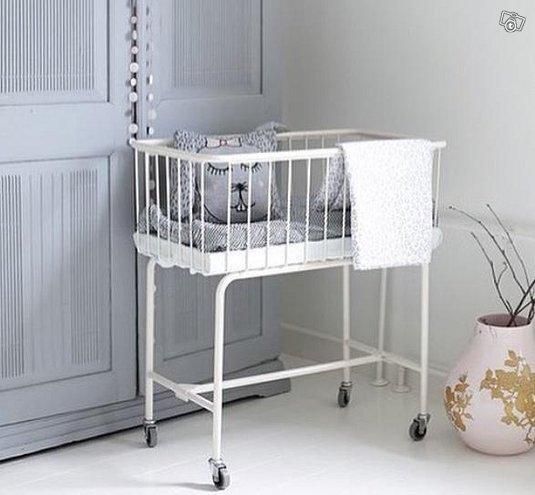 Vauvan sänky / vaavin sänky / vuokraa