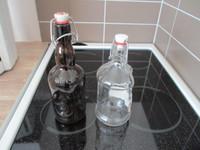 2kpl patenttikorkkisia pulloja