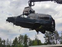 Purkuautoja yli 150 kpl, moottoreita, purkuosia ym