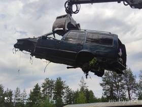 Purkuautoja yli 150 kpl, moottoreita, purkuosia ym, Autovaraosat, Auton varaosat ja tarvikkeet, Oulu, Tori.fi