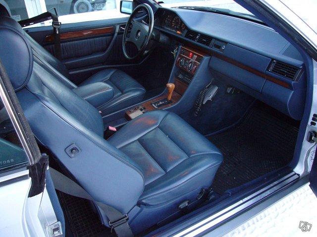Mercedez-Benz 300 Coupe 8