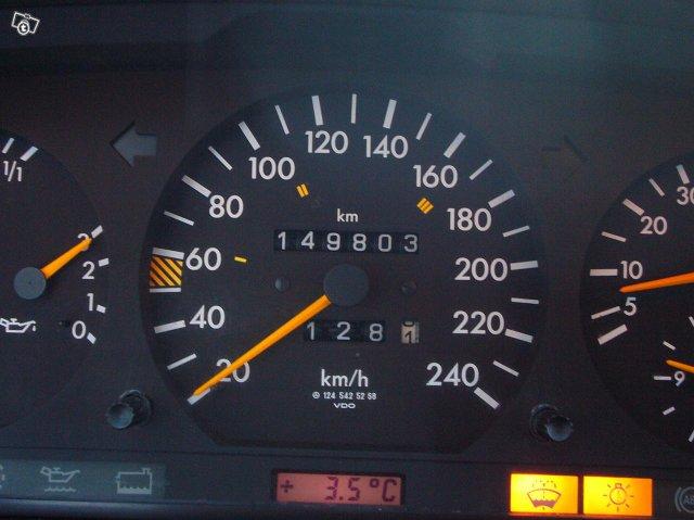Mercedez-Benz 300 Coupe 6