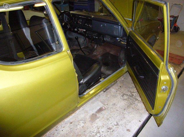 Datsun 100 A 1975 6