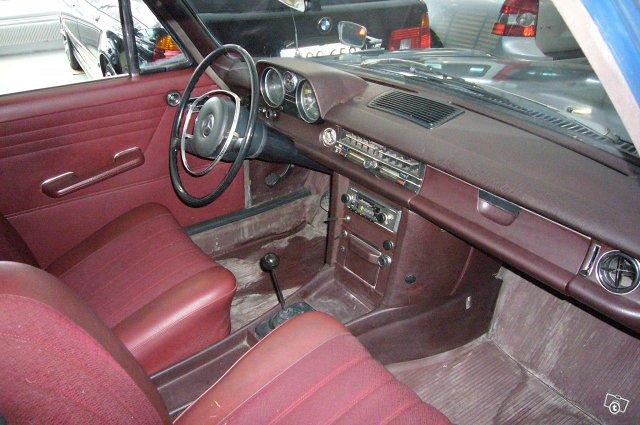 Mercedes-Benz 220/8 1969 4