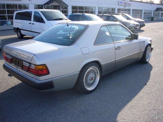 Mercedez-Benz 300 Coupe 4
