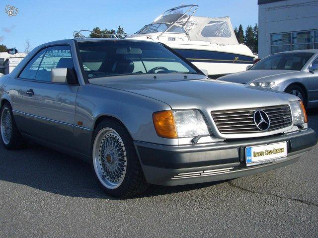 Mercedez-Benz 300 Coupe 2