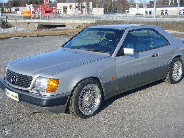 Mercedez-Benz 300 Coupe 3