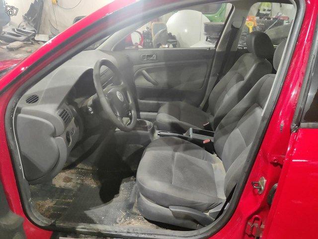 Volkswagen Passat 1.6 manuaali 2004 5