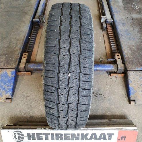 """215/70 R15C"""" käytetty rengas MICHELIN"""