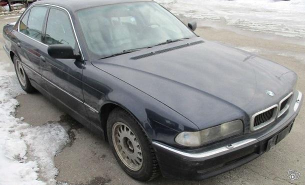 Purkuauto: BMW 750IA V12 1995