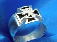 Maltanristi sormus leijonalla hopeaa