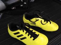 Adidas jalkapallokegät