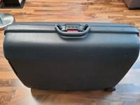Samsonite matkalaukku