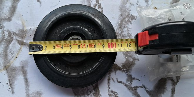 Tukipyörä 10,7 cm 1 kpl