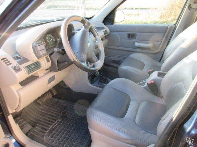 Land Rover Freelander V6 automaatti 5