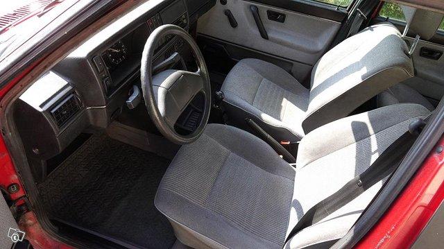 VW Jetta 4D CL-Diesel , vähän ajettu,siisti 10