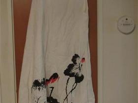 Valkea mekko kukkakuviolla, Vaatteet ja kengät, Liperi, Tori.fi