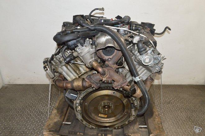 Mercedes benz s (w221) 2012 3.0l 190kw 642