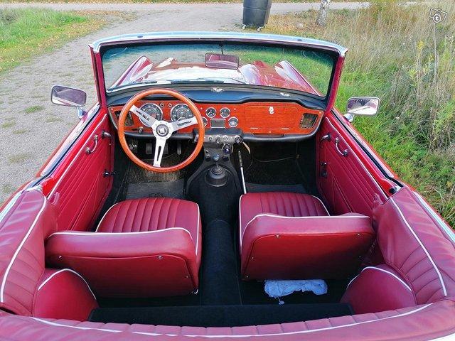 Triumph TR4 entisöity museoauto 3