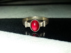 Vintage vanha hopea sormus kivellä 925 Hopea Punak, Kellot ja korut, Asusteet ja kellot, Porvoo, Tori.fi