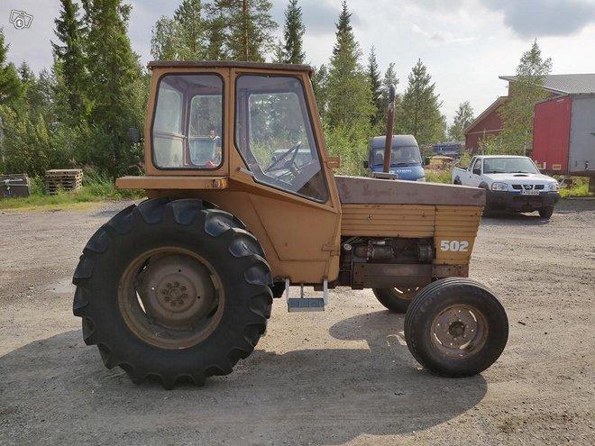 Traktoreita,koneita ja lisälaitteita yms