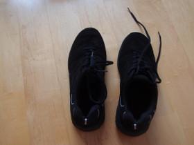 Mustat jumppatossut, Vaatteet ja kengät, Tampere, Tori.fi