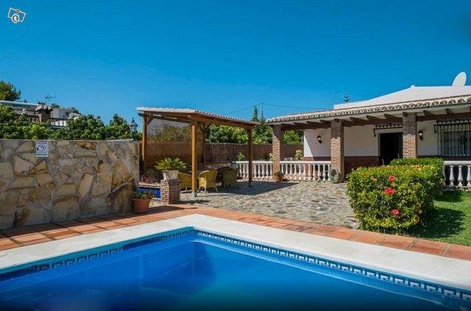 Villa Los Tablazos lomahuvila Costa del Solilla