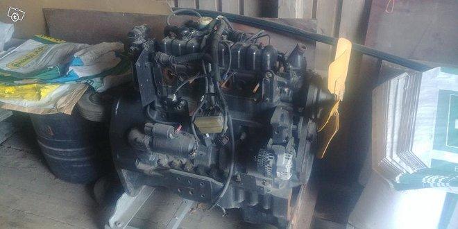 SisuDiesel 4.4l moottori