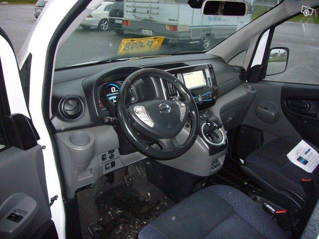 Nissan e-NV200 5-Hengen 7