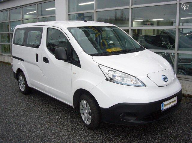 Nissan e-NV200 5-Hengen 2