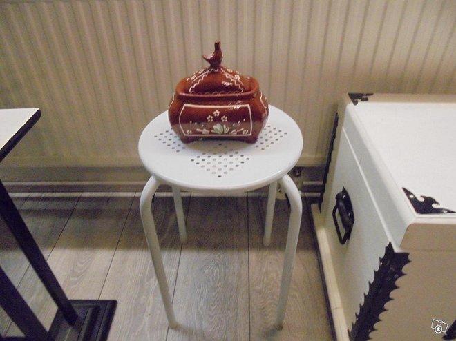 Keramikka purkki