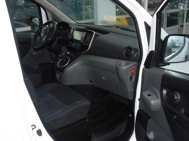 Nissan e-NV200 5-Hengen 4