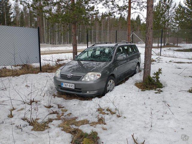 Toyota Corolla 1.6 -02 korjattavaksi