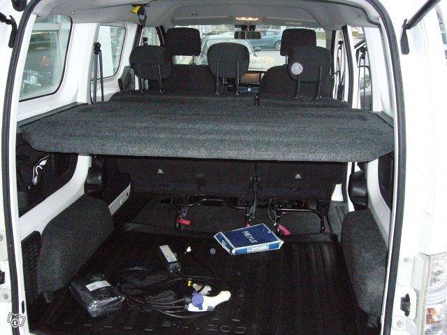 Nissan e-NV200 5-Hengen 6