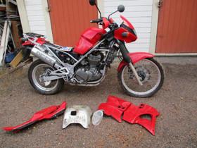 Kawasaki KLE 500 1991 osia, Moottoripyörän varaosat ja tarvikkeet, Mototarvikkeet ja varaosat, Helsinki, Tori.fi