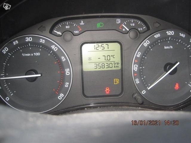 SKODA OCKTAVIA 2007 VIHREÄ 2,0l DIESEL KATS 4400 5