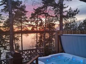 Mökki ulkoporealtaalla Lohjanjärven rannalla, Mökit ja loma-asunnot, Lohja, Tori.fi
