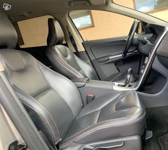 Volvo XC 60 D5 AWD 6