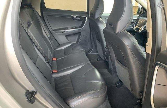 Volvo XC 60 D5 AWD 8