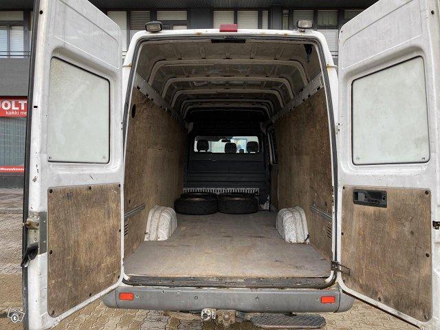 iso ja edullinen 15m3 pakettiauto (B-kortilla aj.) 6