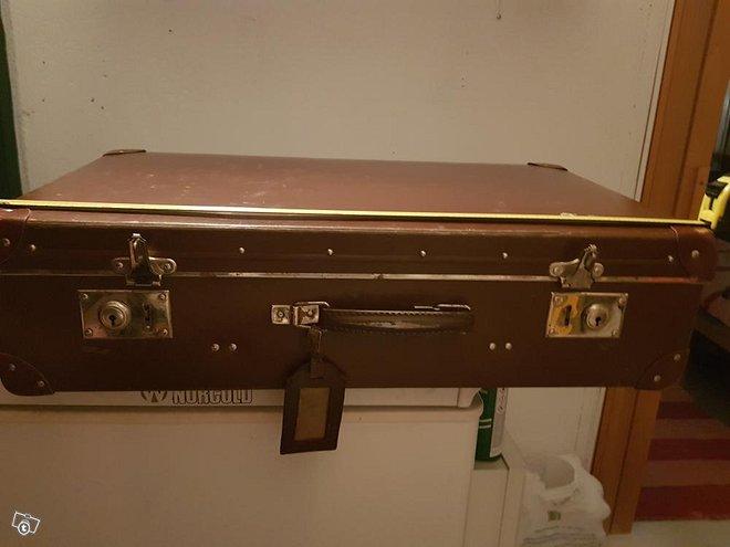 Vanha matkalaukku